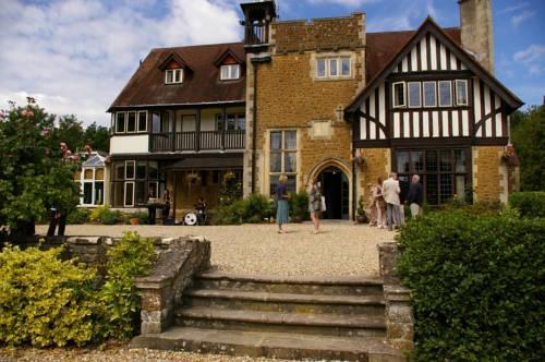 Picture of Farnham House Hotel