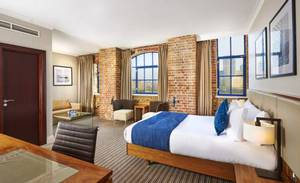 Picture of Deluxe Queen Room with River View