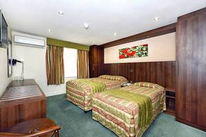 Picture of Executive Triple Room