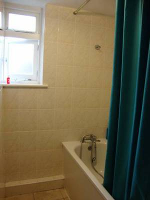 Picture of Twin Room with Shared Bathroom