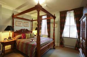 Picture of Luxury Four Poster